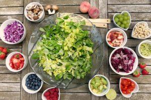 Una dieta a basso contenuto di carboidrati aiuta a perdere peso e a mantenersi in salute